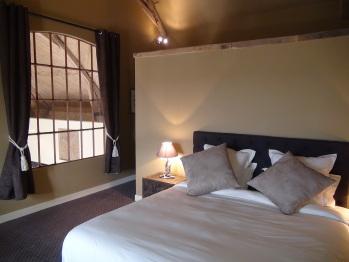 Chambre chasse à tir avec lit double 180x200 ou 2 lits simples.