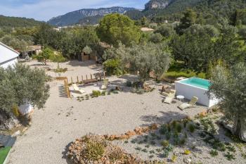 Zona chill out y jardín sostenible
