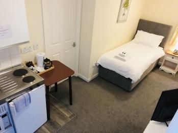 Twin room-Premium-Ensuite-Ground Floor