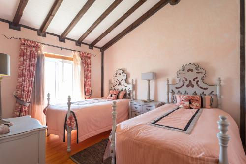 Conchita Room-Twin room-Classic-Ensuite-Countryside view