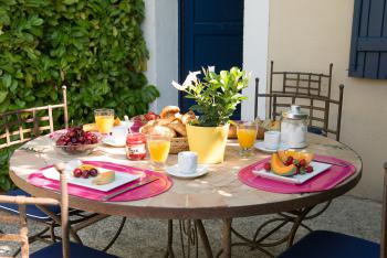 Breakfast terrace of cottage for 4 persons
