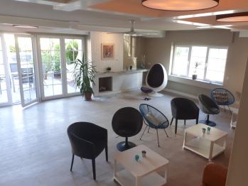 Lounge und Bereich für Yoga