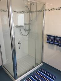 Shower Room 4
