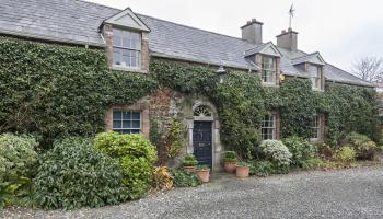 Collon House - Entrance door via mews house