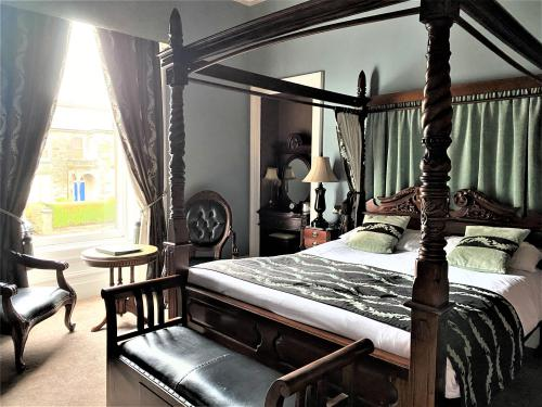 Double room-Deluxe-Ensuite-City View-Four Poster