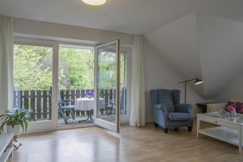 Apartment-Standard-Private Bathroom-Balcony