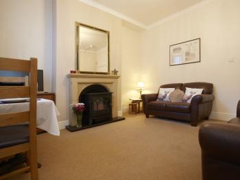 Lounge Flat 1