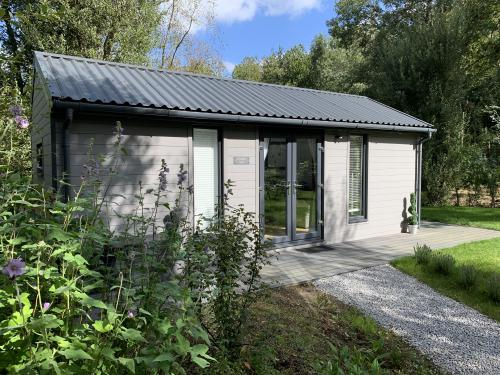 Cabin-Ensuite with Shower-Woodland view-Hidden Hut - Base Rate