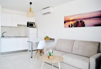 Sea view apartment with 1 room