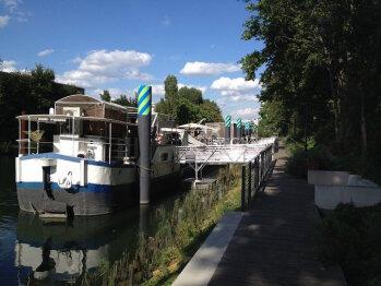 """Boat For Guest - Péniche - En arrivant par la station """"Meudon-sur-Seine"""""""
