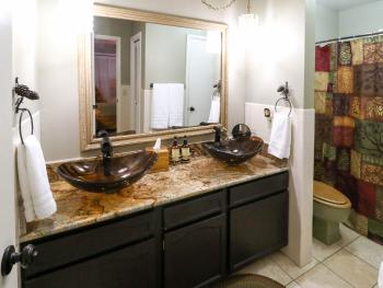 Suite-Private Bathroom-Deluxe-Patio-Two bedroom suite