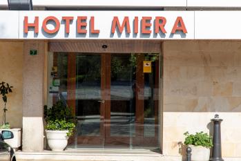 Hotel Miera entrada