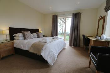 Accessible Superior Double or Twin En-suite Room (Lodge)