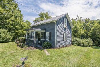 Blue Ridge cottage downstairs & Aloft upstairs