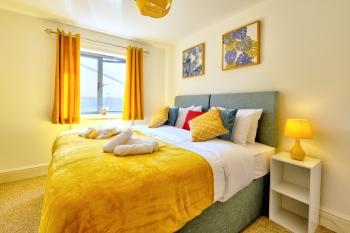 Concorde Apartment - Master Bedroom