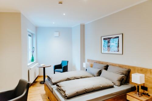 Doppelzimmer-Klassisch-Eigenes Badezimmer-Blick auf den Hof - MyWeb