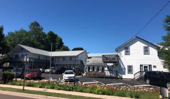 Harbor's Edge Motel