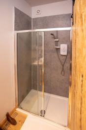 Twm - Large Shower