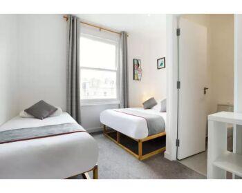 Triple room-Standard-Private Bathroom-TRIPLE - Base Rate