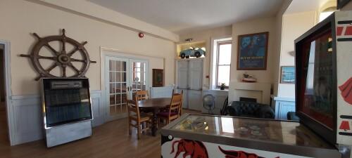 Lounge/bar area