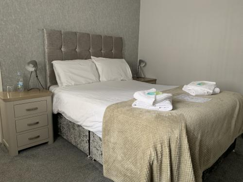 Classic-Double room-Ensuite with Shower-Room 6 - Base Rate
