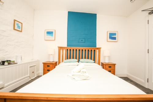 King-Superior-Ensuite-Sea View-Room 1 Large - Base Rate