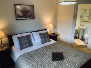 ROOM 10 -Double room-Luxury-Ensuite with Bath-Countryside view