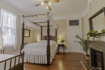 Triple room-Ensuite-Superior-First Room