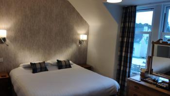 Double room-Economy-Ensuite-Livet  - Base Rate