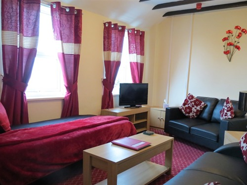 Apartment-Large-Ensuite with Bath-Countryside view-First Floor