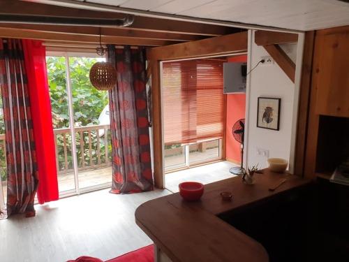 Appartement-Confort-Salle de bain et douche-Vue sur Piscine