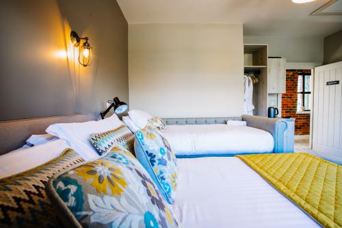 Triple room-Superior-Ensuite-The Harty Room