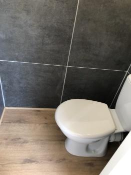 Les toilettes de la chambre parentale