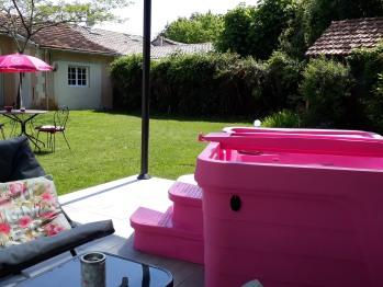 Vue sur le jardin et le spa