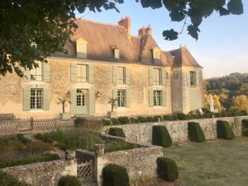 Façade côté parc du château d'Hodebert ( Ouest)