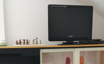 TV Nahaufnahme im Wohnbereich © Ferienwohnung Casa Belle Vacanze