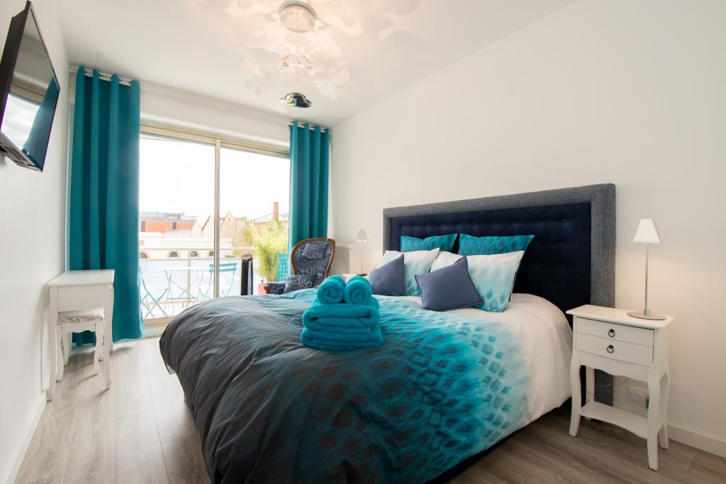 Chambre lit 160/200 avec TV