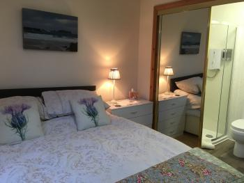Double room-Standard-Ensuite with Shower-Countryside view