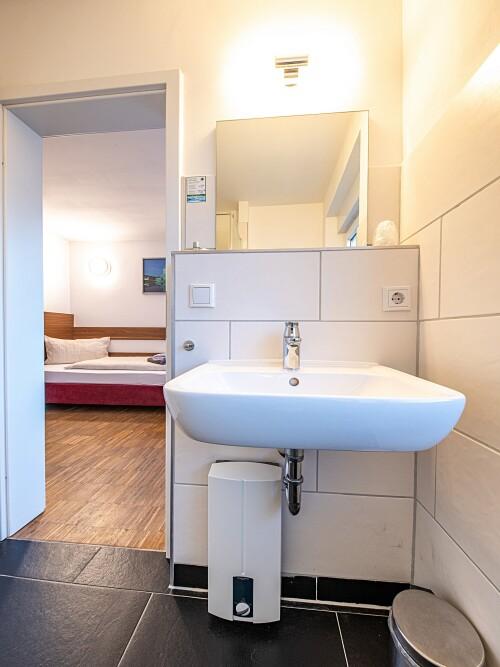Zweibettzimmer-Standard-Eigenes Badezimmer-Terrasse - Basistarif