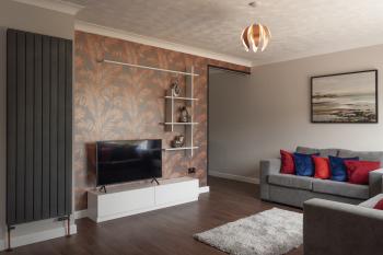 Harkwood by BridgeCoast - Lounge - TV