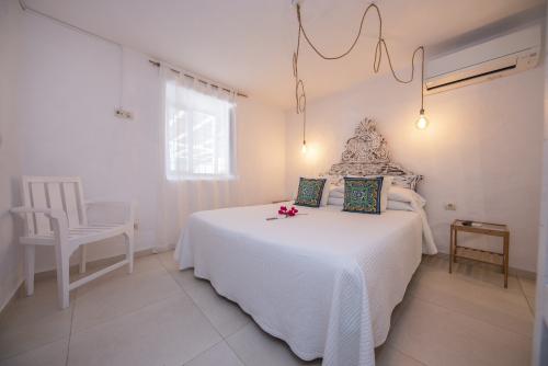 Ehe Bett-Standard-Badezimmer mit Dusche-Turqueta