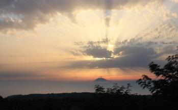Sonnenuntergang Abendstimmung Wolken Stromboli © Ferienwohnung Casa Belle Vacanze