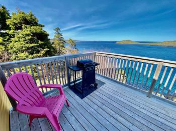Yes, the Puffin deck and its view is this lovely!