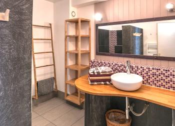 Salle de bains 1 du gîte Artist'au Chat