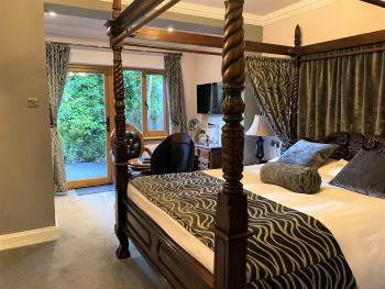 Double room-Deluxe-Ensuite with Shower-Garden View-Terrace - Four Poster