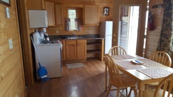Cabin-Private Bathroom-Queen-Lake View-2 Queen Bedroom Cabin