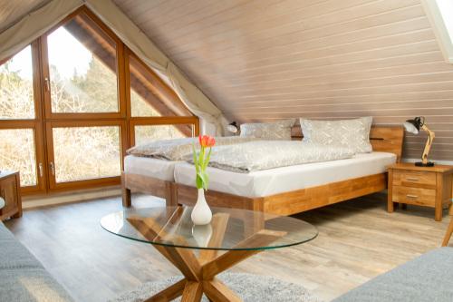 Apartment-Deluxe-Eigenes Badezimmer-Gartenblick-Dachgeschoss - Basistarif