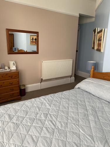 Double room-Classic-Ensuite with Shower-No view-Room 12 - Base Rate