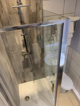 Twin Room Shower