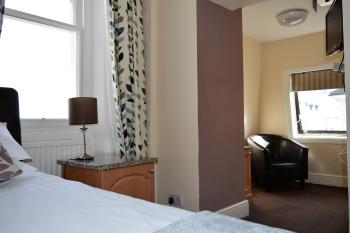 Single room-Standard-Ensuite-City View-Comfort Single - Base Rate
